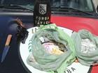 Polícia desarticula ponto de venda de drogas e detém três em João Pessoa