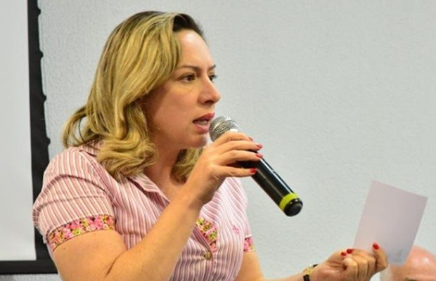 Deputada estadual Adriana Accorsi (PT) teve a casa roubada, em Goiânia, Goiás (Foto: Reprodução/Facebook)
