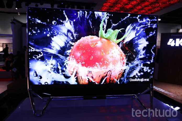 TV chinesa de 98 polegadas com 8K é lançada na CES 2016 e chama atenção