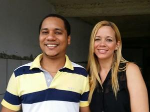 Casal encontra boleto com dinheiro, faz pagamento e devolve comprovante a dona (Foto: Mauro Anchieta/TV Bahia)