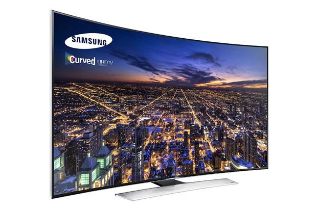 TV 4K de tela curva da Samsung começa a ser vendida no Brasil ainda em maio por a partir de R$ 17,5 mil (Foto: Divulgação/Samsung)