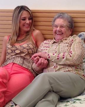 Ticiane Pinheiro e Vovó Palmirinha (Foto: Reprodução/ Instagram)