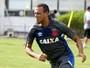 Vasco estuda opções para estreia de Luis Fabiano: Engenhão ou Salvador?