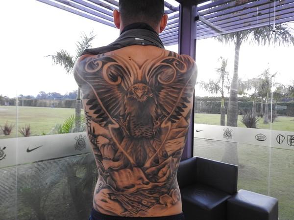 Gavião? Balbuena explica tatuagem e diz viver no Corinthians a melhor fase da vida