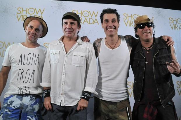 """Capital Inicial na gravação do """"Show da virada"""" em Salvador, na Bahia (Foto: Marcelo Machado/ EGO)"""