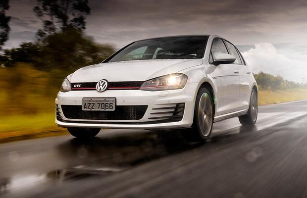 Para-choque com LEDs de rodagem diurna são exclusivos do Golf GTI (Foto: Leo Sposito/Autoesporte)