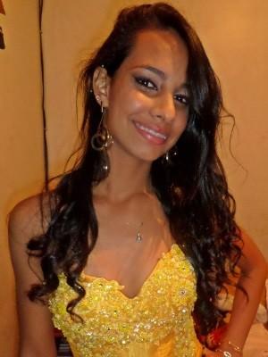 Isadora Cândida, 15 anos, morta após ladrão tentar roubar seu celular em Goiânia Goiás (Foto: Arquivo pessoal)