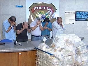 Suspeitos serão ouvidos e encaminhados à penitenciária (Foto: reprodução/TV Integração)