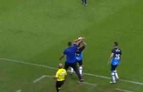 China Balbino no jogo entre Grêmio x São José  (Foto: Reprodução / SporTV)
