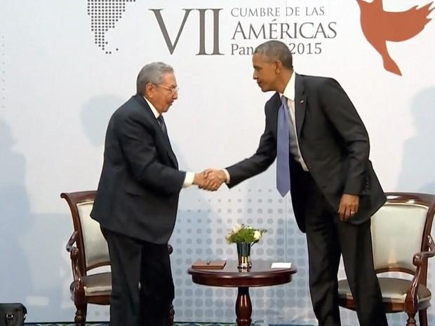 GNews - Obama e Raúl Castro realizam 1ª reunião entre EUA e Cuba em mais de 50 anos (Foto: Reprodução/GloboNews)