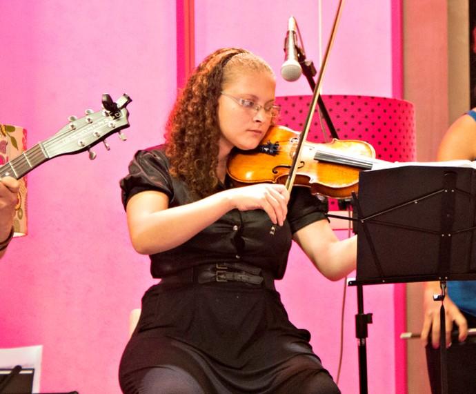 Thalita Orquestra Villa-Lobos Mistura com Rodaika Inspiração (Foto: Maicon Hinrichsen/RBS TV)