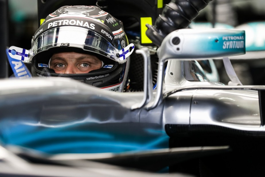 Bottas é o mais rápido no segundo dia de testes coletivos do Bahrein