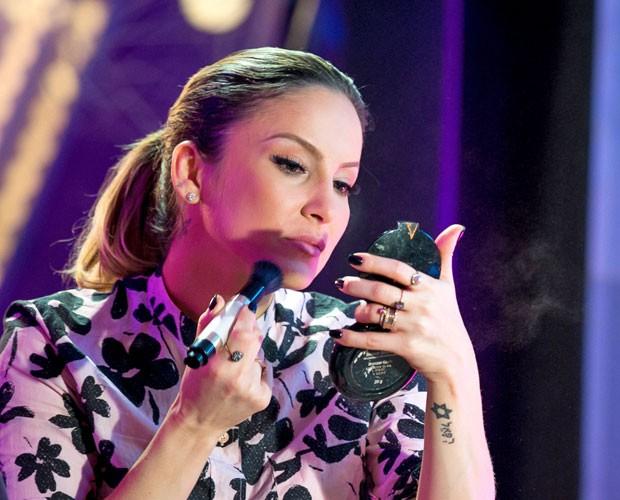 Claudia Leitte dá dicas para alcançar a sobrancelha perfeita no #ContaLáClaudia (Foto: Isabella Pinheiro/Gshow)
