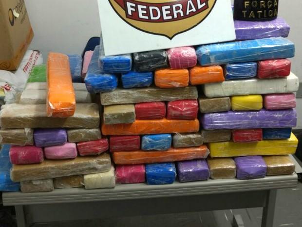Polícia apreendeu tijolos de drogas em hotel em Sorocaba (Foto: PM/Divulgação)