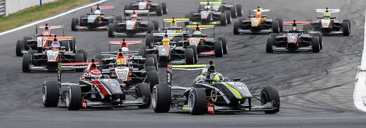 A penúltima prova do campeonato aconteceu no Circuito Chris Amon, em Feilding. (Foto: Divulgação/Castrol Toyota Racing Series)