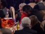 Gwen Stefani e Blake Shelton trocam carinhos em festa pré-Grammy