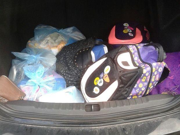 No carro foram encontrados objetos da vítimas (Foto: PM/Divulgação)