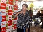 Dilma diz que pretende 'discutir propostas' e não comenta pesquisa