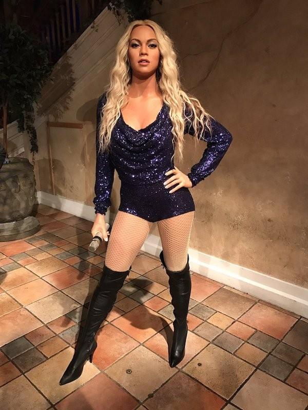 Outra estátua de cera polêmica de Beyoncé, dessa vez de um museu em Nova York (Foto: Twitter)