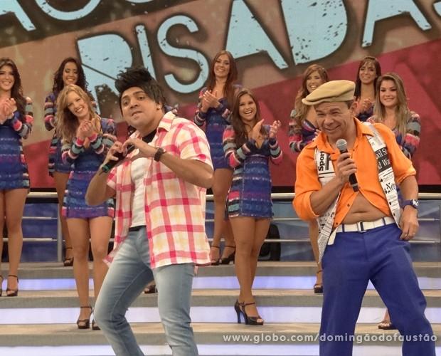 Tirulipa e Papudim fazem a galera do Domingão morrer de rir (Foto: Domingão do Faustão / TV Globo)