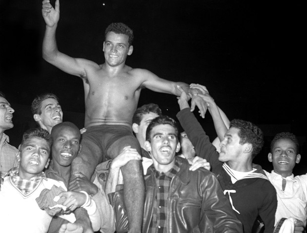 MMA Carlson Gracie x Valdemar Santana, 1956 (Foto: Arquivo / O Globo)