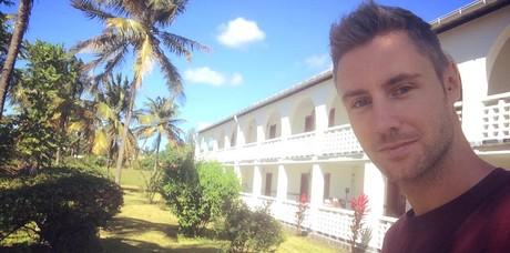 Johnny Ward em Comores (Foto: Reprodução/Facebook OneStep4Ward)