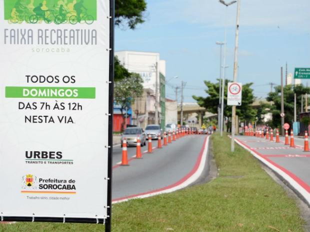 Ao todo, 230 ciclistas foram abordados durante ação educativa  (Foto: Emerson Ferraz)