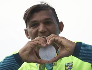 Isaquias Queiroz, prata canoagem Rio 2016 (Foto: Reuters)