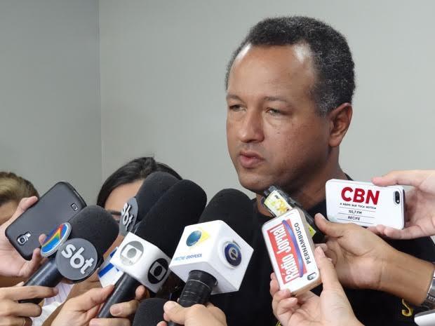 Detalhes sobre o caso foram revelados pelo delegado Alfredo Jorge (Foto: Penélope Araújo/G1)