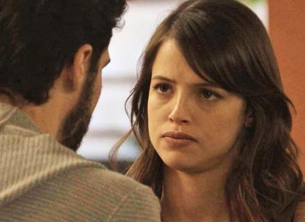 Camila pede para Giovanni se afastar de Bruna