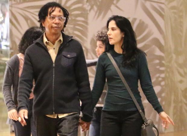 Djavan e a mulher, Rafaela Brunini (Foto: Fabio Moreno/AgNews)