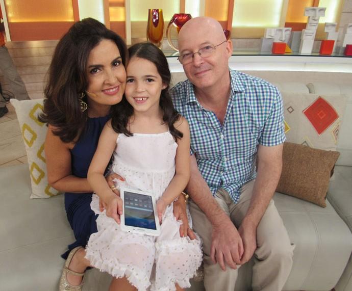 Fátima recebe o carinho de convidados do programa  (Foto: Monique Arruda/Gshow)