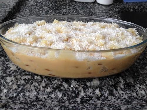 Pave de doce de leite com abacaxi
