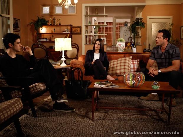Sílvia gosta da ideia e diz que vai agir imediatamente (Foto: Amor à Vida / TV Globo)