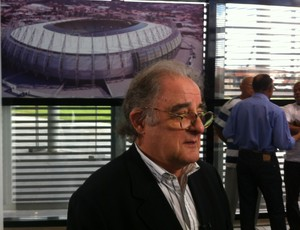 Héctor Vigliecca, arquiteto uruguaio responsável pelo projeto da Arena Castelão (Foto: João Marcelo Sena)