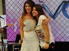 Paula Fernandes surpreende e canta com fã, ao vivo, no Mais Você
