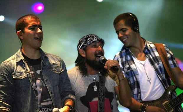 Bell Marques sobe ao palco com o Oito7Nove4 em Salvador (Foto: Divulgação/Fred Pontes)