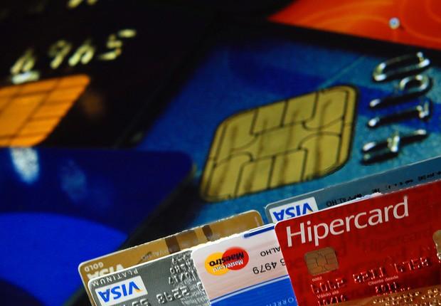 Os juros do cartão de crédito atingiram 400% no acumulado do ano, segundo a Associação Nacional dos Executivos de Finanças Administração e Contabilidade (ANEFAC) (Foto: Fernanda Carvalho/Fotos Públicas)