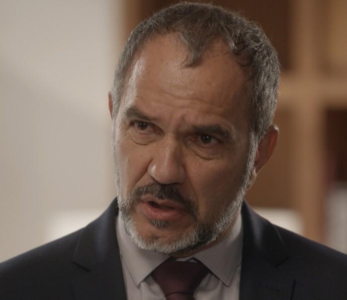 Germano esculacha Carolina (Foto: TV Globo)