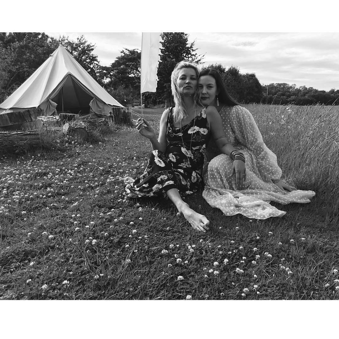 Liv Tyler e Kate Moss (Foto: Reprodução/Instagram)