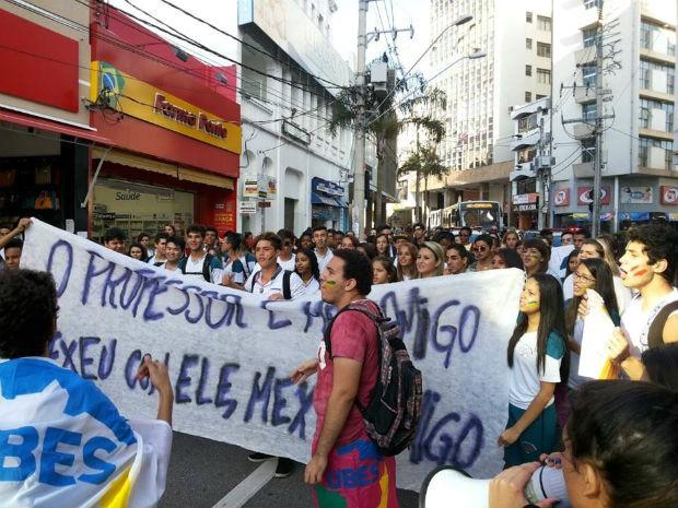 Estudantes de Sorocaba fazem protesto em apoio à greve de professores (Foto: André Fazano / Arquivo Pessoal)