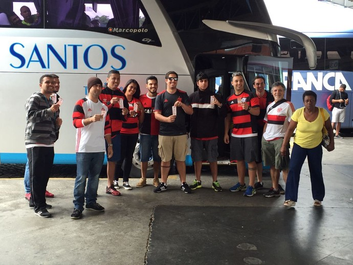 Torcedores Fla rumo ao Espírito Santos (Foto: Fred Gomes/ Globoesporte.com)