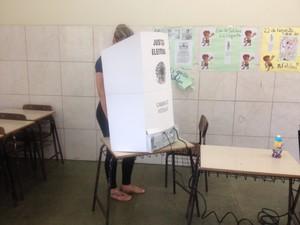 Eleitores foram às urnas nesse domingo em Porto velho (Foto: Toni Francis/G1)