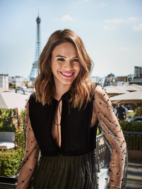 Bruna Marquezine posa em Paris (Foto: Fê Pinheiro)