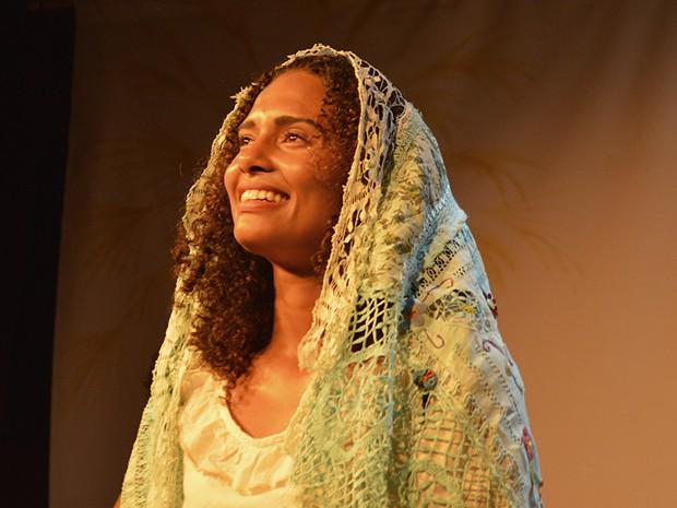 Aisha Jambo em cena durante apresentação em Maceió (Foto: Arquivo Pessoal)