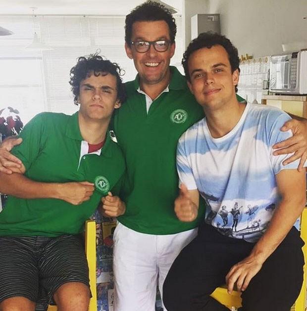Fernando Rocha com os filhos Rafael e Pedro (Foto: Reprodução)