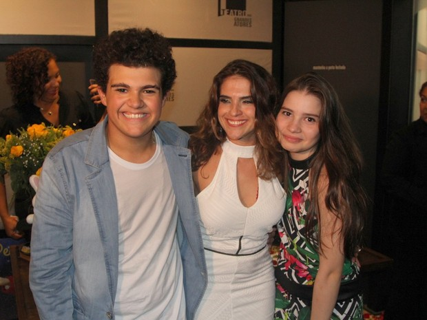 Gabriel Montenegro, Fátima Montenegro e Milena Melo em espetáculo na Zona Oeste do Rio (Foto: Rogerio Fidalgo/ Ag. News)