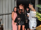Marina Ruy Barbosa usa minissaia em festa de Fernanda Motta
