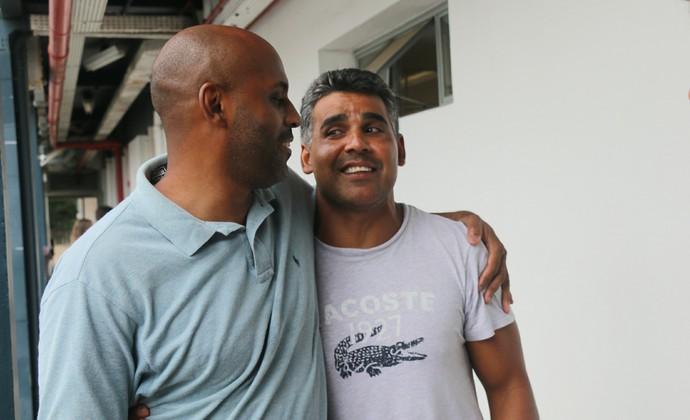 Atacantes Christian e Fabiano se encontram e relembram quando jogavam juntos no Inter nos anos 1990 (Foto: André Roca / GloboEsporte.com)