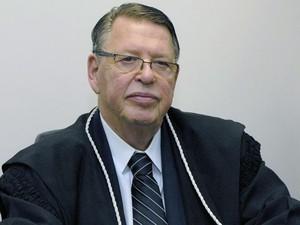 Oto Luiz Sponholz, ex-presidente do TJ-PR, TRE e OAB, morreu aos 74 anos (Foto: Divulgação/TJ-PR)